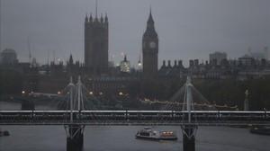 Postal de Londres, ciudad en la que crecen los crímenes.