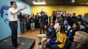 Pete Buttigieg en un acto electoral en Iowa.