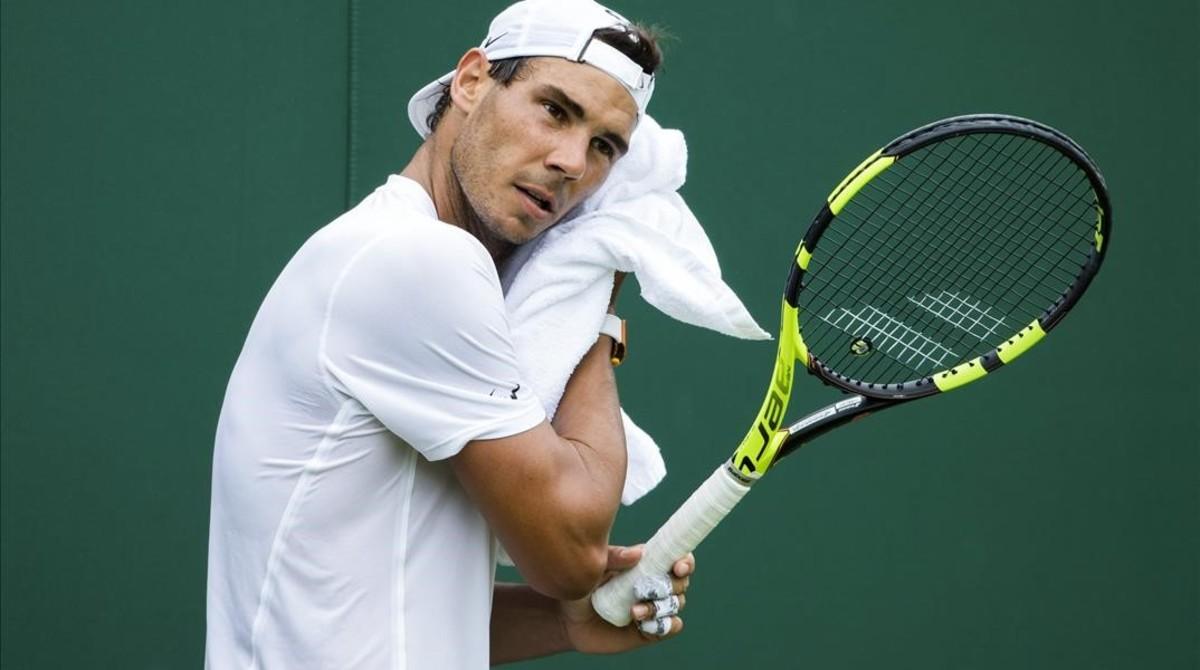 Rafael Nadal en un entrenamiento en Wimbledon.