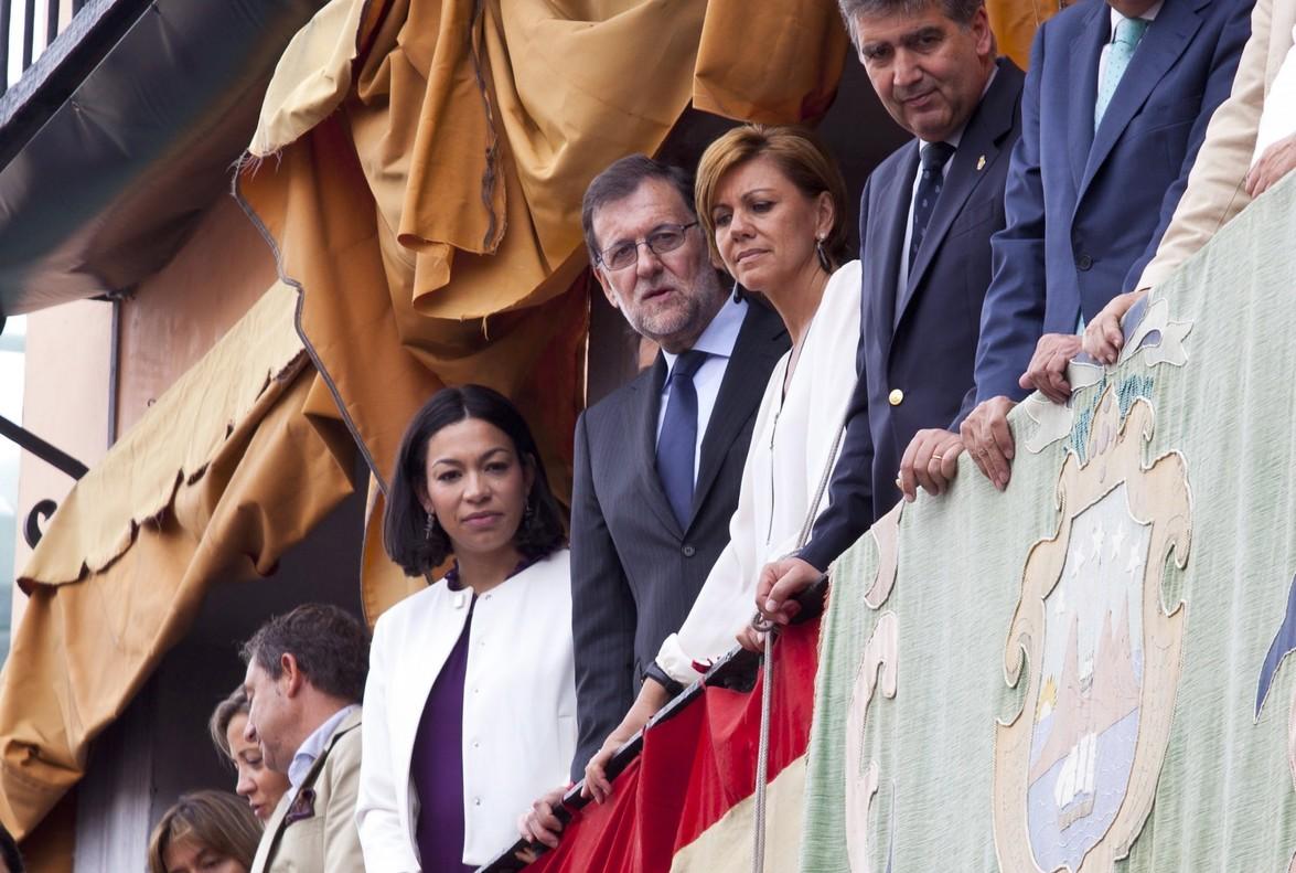 Rajoy y Cospedal, en una procesión.