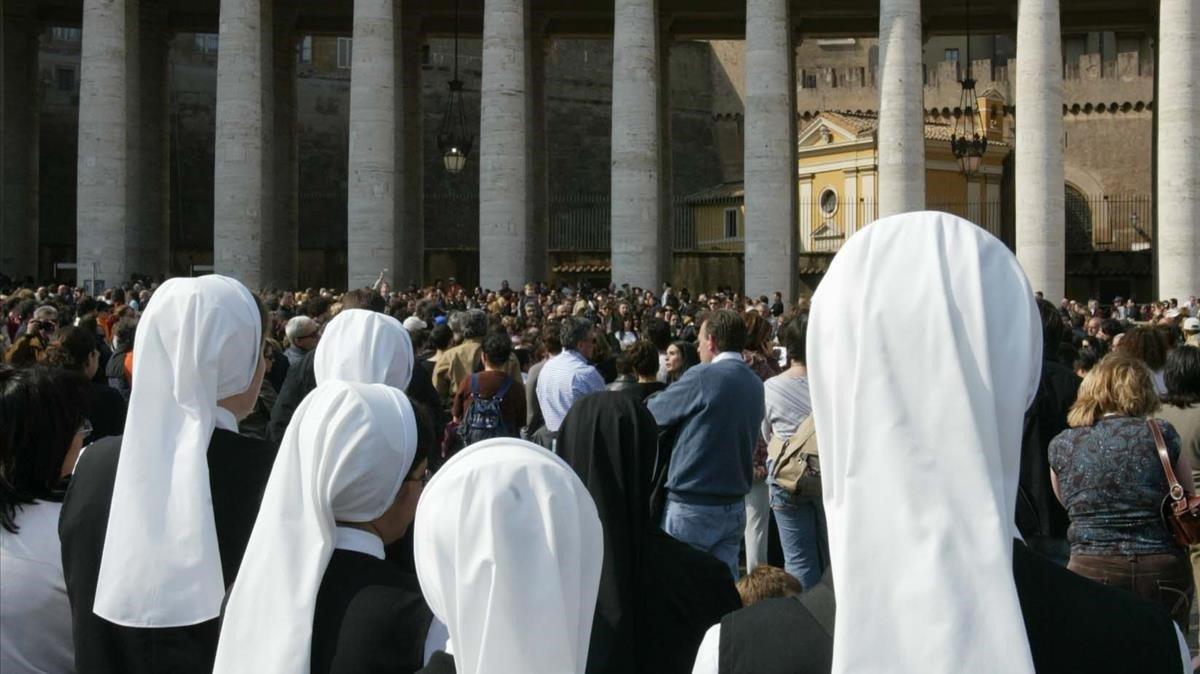 Dimiteix un alt càrrec del Vaticà acusat d'abusar d'una monja
