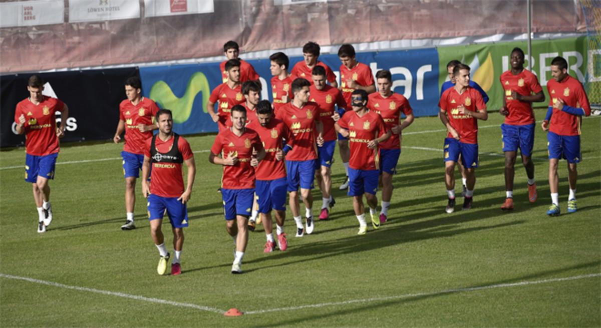 La selección españoladurante un entrenamiento enSchruns, Austria. El primer partido que disputarán los hombres de Vicente del Bosque será contra la República Checa de Petr Cech el próximo 13 de junio.