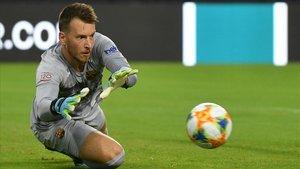 Neto detiene un balón en el partido del Barça contra el Nápoles en Miami.