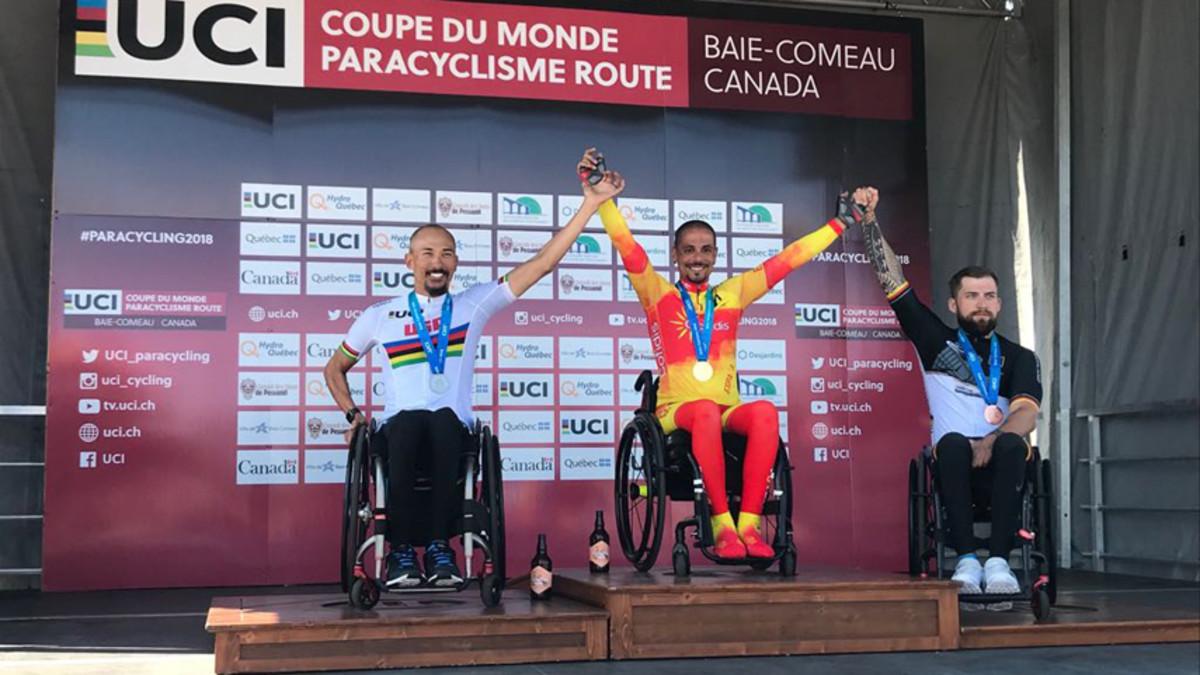 Sergi Garrote en el primer puesto del podio del Mundial de Ciclismo Adaptado disputado en Canadá