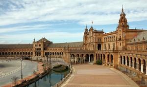 Sevilla fue designada por Lonely Planet como mejor ciudad para viajar en el 2018.