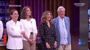 Tamara Falcó, Isabel Preysler, su tía Cristina y Mario Vargas Llosa en 'Masterchef Celebrity'.