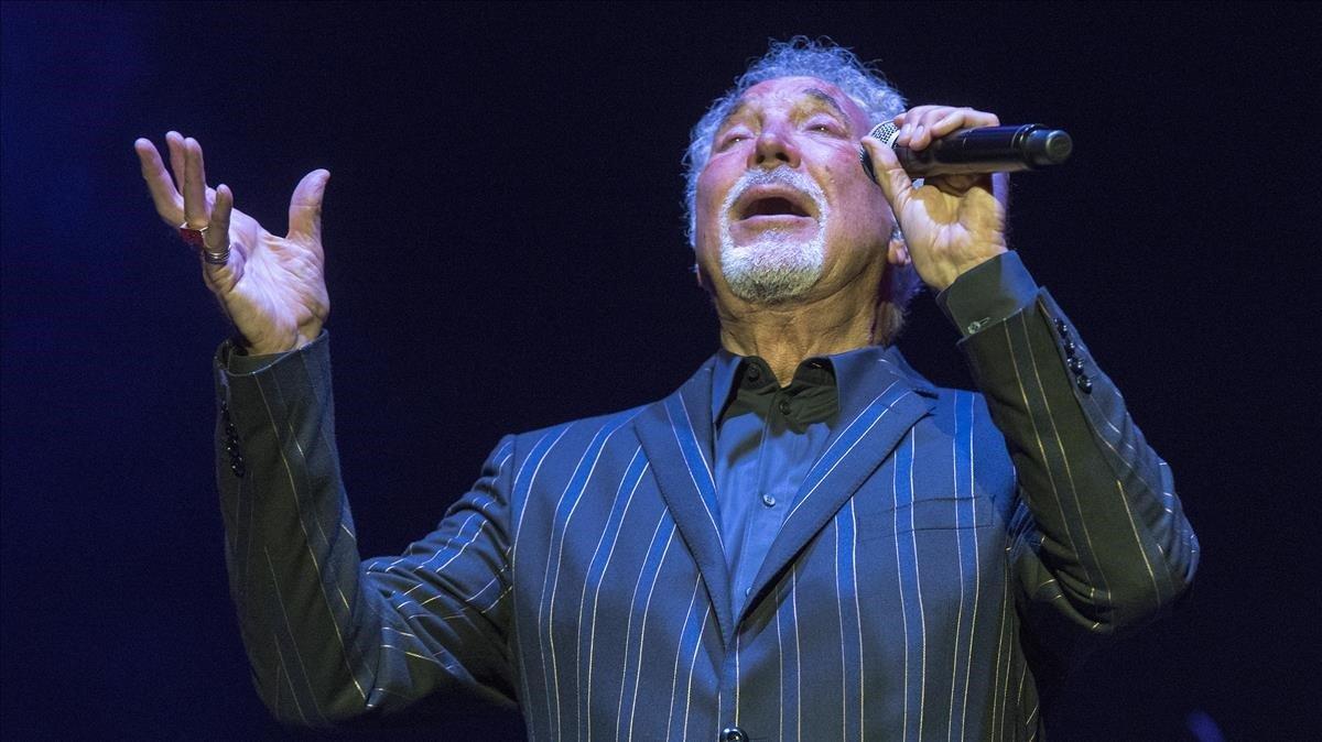 Tom Jones, en un concierto en el Festival Jardins de Pebralbes, en el 2018.