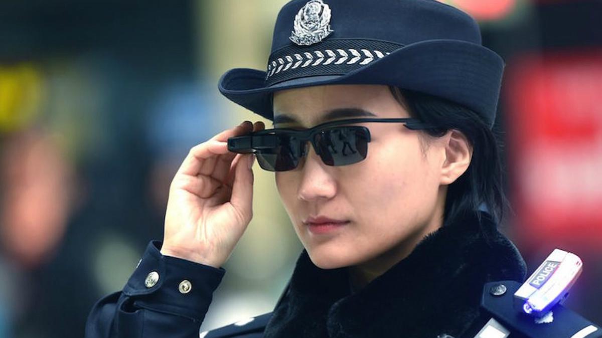 Una policía china enZhengzhou.