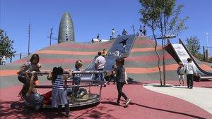 El parque de las Glòries, donde juegan los niños de los colegios de la zona.