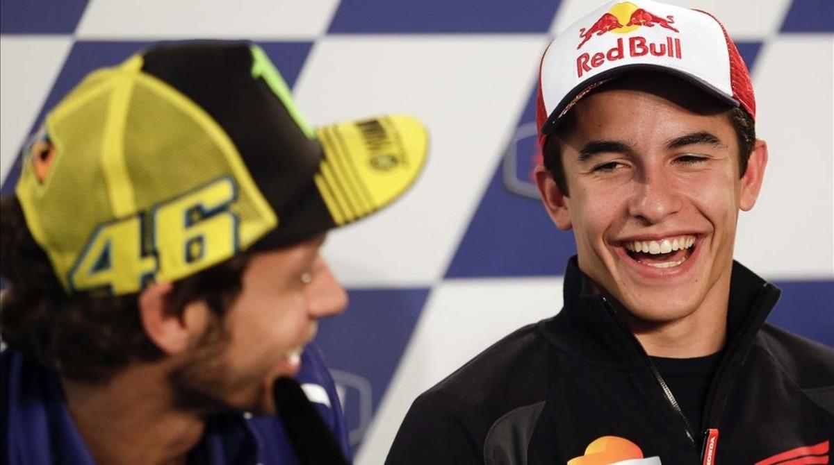 Valentino Rossi y Marc Márquez, en la conferencia de prensa del GP de Mugello, en 2014, cuando aún se llevaban bien.