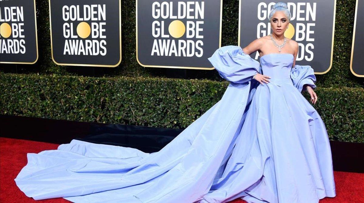 Lady Gaga, en la gala de los Globos de oro, donde recibióel premio a la mejor canción original gracias a 'Shallow', pieza principal de la película 'Ha nacido una estrella'.