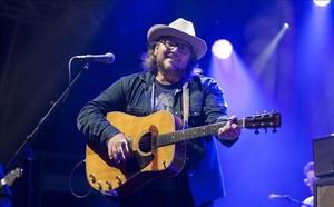 Wilco, en el Vida Festival de Vilanova i la Geltrú. En la imagen, Jeff Tweedy.