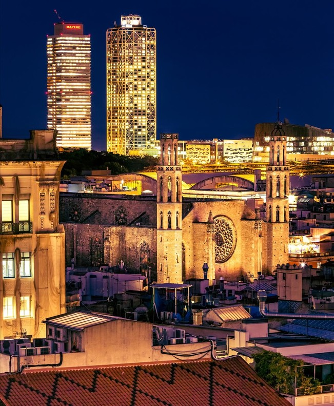 Cuando la noche cae sobre Barcelona