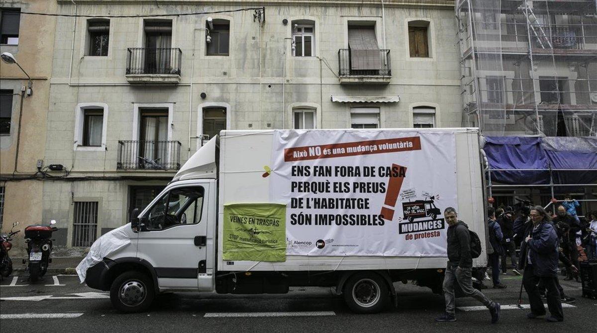 'Mudanza protesta' en el Poblenou, el pasado mes de mayo.