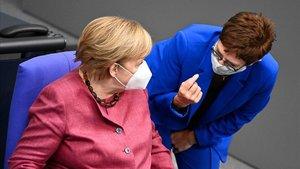 La ministra de Defensa alemanya qualifica la situació dels EUA de «molt explosiva»
