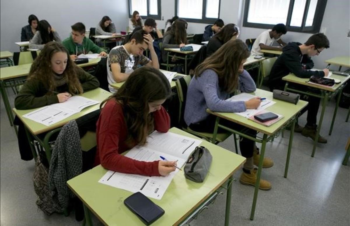 Pruebas de competencias de cuarto de ESO en el instituto Secretari Coloma (INFORME PISA)