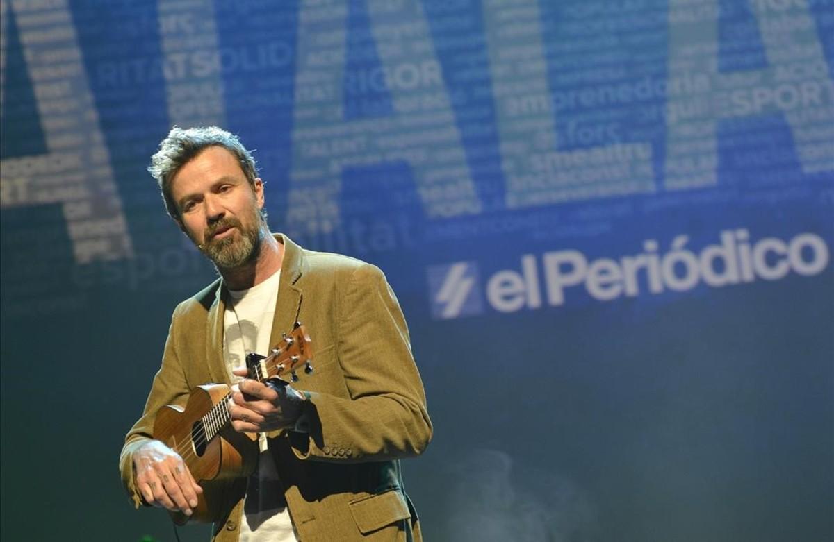 Actuación de Pau Donés en El català de lany.