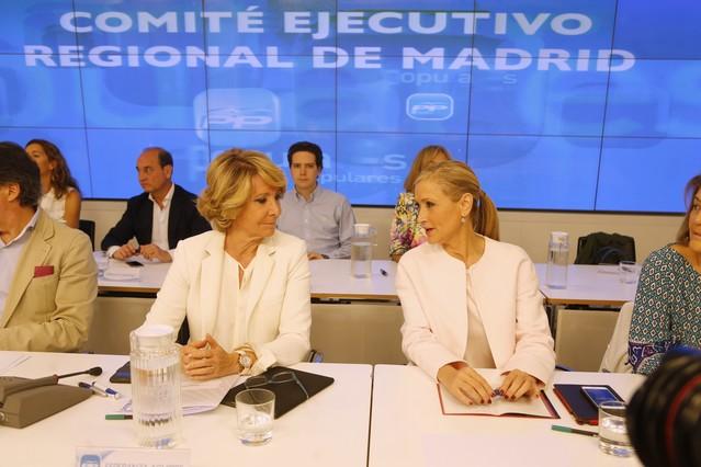 Aguirre (izquierda) y Cifuentes, en el Comité Ejecutivo Federal del PP de este martes por la mañana.
