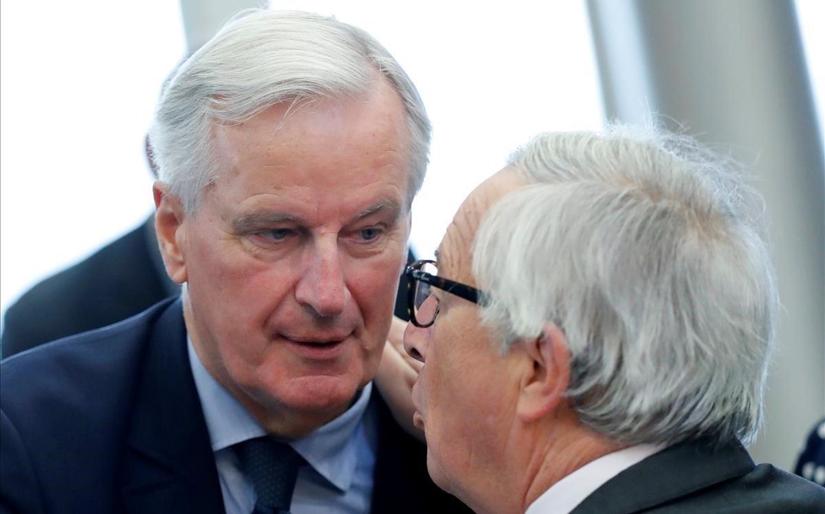 Barnier y Juncker.