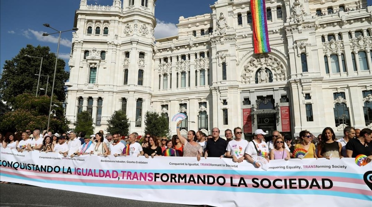 Cabecera de la manifestación del Orgullo 2018, en el ayuntamiento de Madrid.