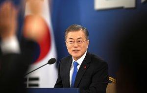 El presidente de Corea del SurMoon Jae-inhabla en la conferencia de prensa de Ano Nuevo en la Casa Azul presidencialen SeulCorea del SurEFEJung Yeon-jePool