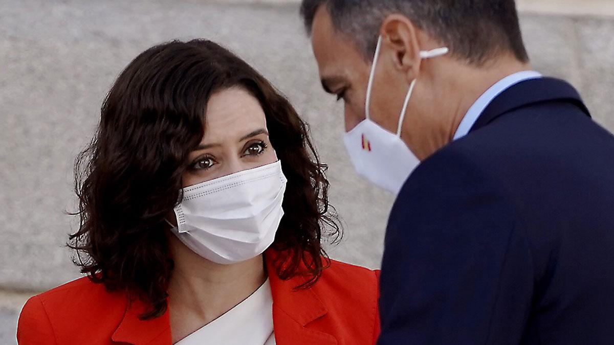 Encuentro entre Pedro Sánchez e Isabel Díaz Ayuso para tratar la crisis sanitaria en Madrid.