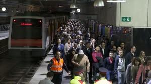 Estación de Europa - Fira de Ferrocarrils durante un día de Mobile World Congress en el 2015.