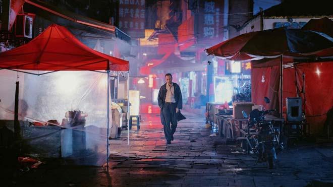 'Largo viaje hacia la noche': experiència i relat