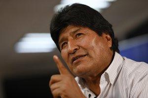 GRAF478. CIUDAD DE MÉXICO, 17/11/2019.- El expresidente de Bolivia Evo Morales este domingo 17 de noviembre de 2019 durante una entrevista con Efe en Ciudad de México (México). Morales tiene mucho miedo a que estalle en Bolivia una guerra civil por lo que hizo un llamamiento este domingo para que sus compatriotas acaben de inmediato con los enfrentamientos. EFE/Sáshenka Gutiérrez