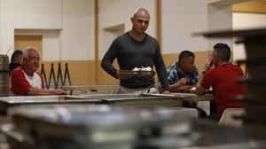 Un grupo de presos, en la última cena en la prisión en la noche del miércoles.