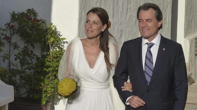 Artur Mas y su hijaPatrícia, el día de la boda de esta con Rubén Torrico, enFornells (Menorca), el 29 de junio del 2013.