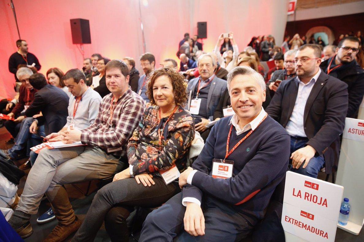 El secretario general del PSOE de La Rioja, Francisco Ocón (derecha).
