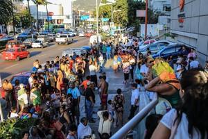Turistas desalojados de hoteles de ciudad de México, como consecuencia del terremoto sufrido por el país.