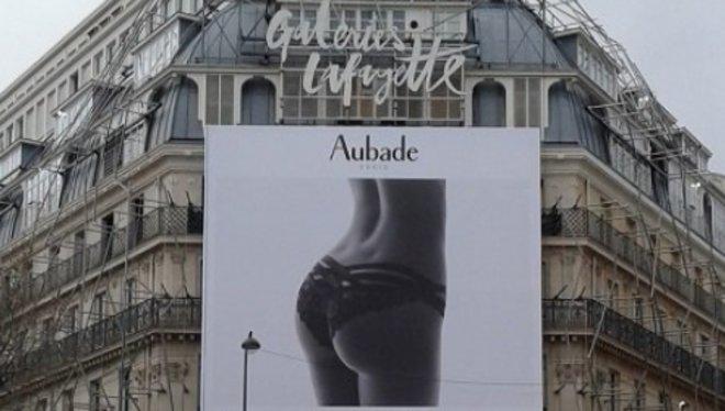 Les Galeries Lafayette retiren un anunci sexista després de les crítiques de l'alcaldia