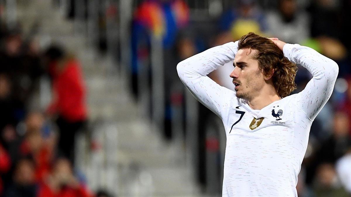Griezmann se lamenta durante el Andorra-Francia.