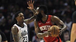 Harden, de los Rockets, ante los Clippers.
