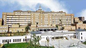 Hospital Virgen del Rocío, en Sevilla, donde estaba ingresada una de las embarazadas que ha sufrido un aborto.