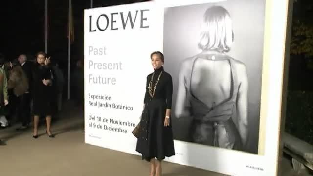 Ha estat present en una exposició de Loewe.