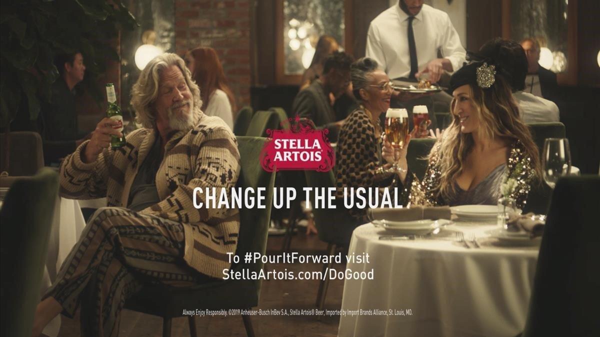 El anuncio de Stella Artois, protagonizado por Jeff Bridges ySarah Jessica Parker.