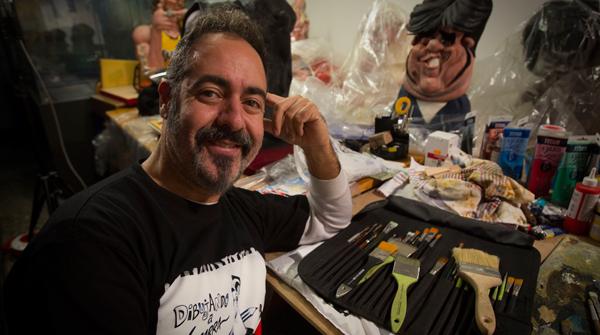 El caricaturista Joan Vizcarra ens presenta un documental de més dels seus 20 anys de carrera.
