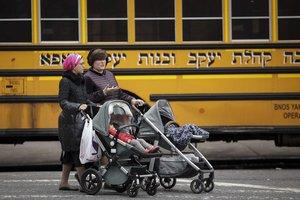 La comunidad judía ortodoxa en Brooklyn, Nueva York, se niega a vacunar a sus hijos. AFP