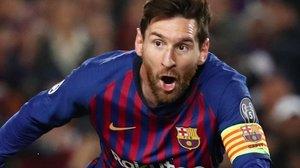 Leo Messi, cantando su primer gol ante el Manchester United.