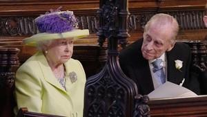 La reina Isabel II y su marido, el príncipe Felipe de Edimburgo, el pasado 18 de mayo durante la boda de su nieto Enrique y Meghan Markle.