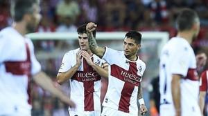 Luiz Ezequiel Chimy Ávila celebra el gol marcado con el Huesca en San Mamés.