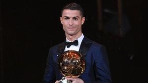 Cristiano Ronaldo rep aquesta tarda la Pilota d'Or 2017