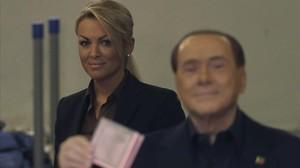 Autoritarisme i mitjans de comunicació: de Berlusconi a Trump