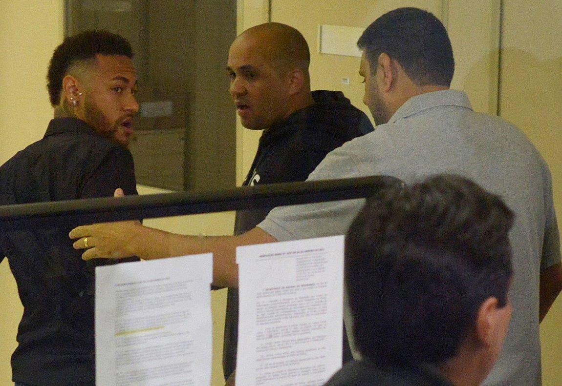 El atacante brasileño fue llamado a declarar por la Comisaría de Represión de Crímenes Informáticos.