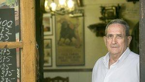 Paco Gómez, dueño del Mesón Bar El Paco.
