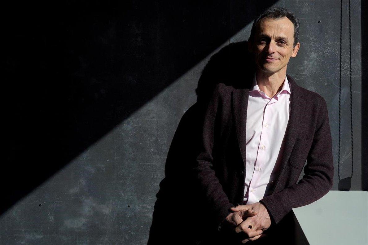 El ministro de Ciencia, Innovación y Universidades, Pedro Duque, durante la entrevista con EL PERIÓDICO.