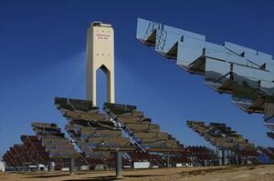 Placas solares 8 Instalación de Abengoa en Sanlúcar la Mayor (Sevilla).